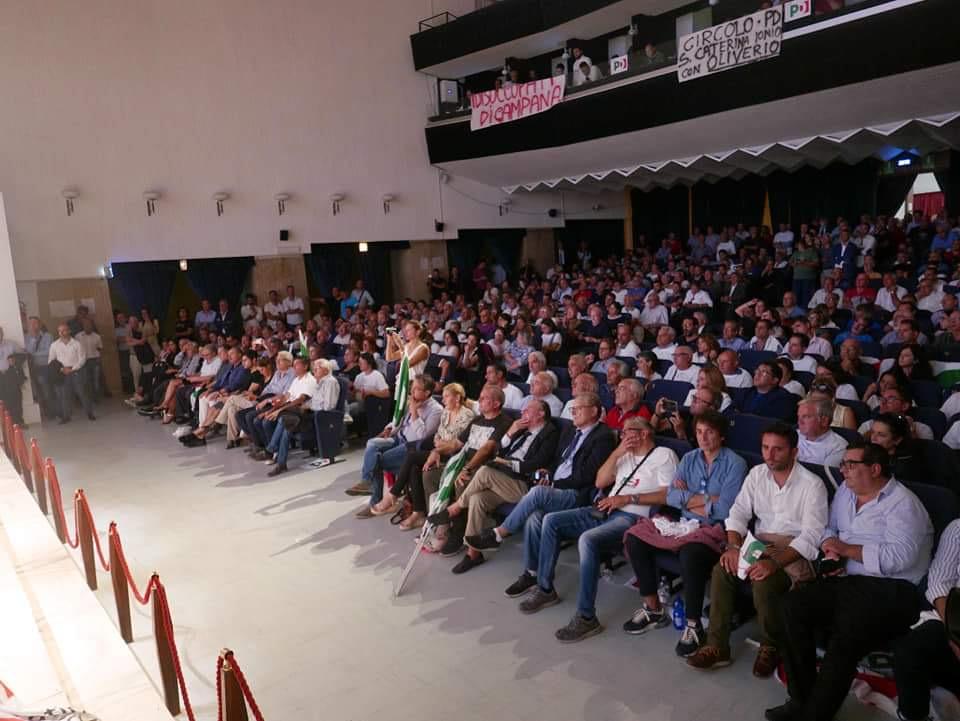 oliverio-pubblico-2 La maggioranza degli eletti con la mozione Zingaretti non parteciperà all'assemblea nazionale del PD a Bologna